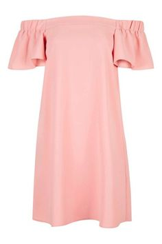 This sweet dress is the perfect base for some awesome accessories. You could event transform it for several different weddings in the year. Trendy Dresses, Casual Dresses, Short Sleeve Dresses, Summer Dresses, Classy Outfits, Chic Outfits, Bardot Dress, Looks Plus Size, Vestido Casual