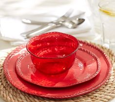 Red melamine plates perfect for outdoor pool parties, BBQs and more.