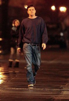 Leonardo DiCaprio Classic Jeans - Leonardo DiCaprio was dressed down in washed-out jeans and a baggy sweater for his new film 'Wolf of Wall Street. Handsome Men Quotes, Handsome Arab Men, Leonardo Dicaprio Funny, Strong Woman Tattoos, Leonardo Dicapro, Beautiful Women Quotes, Camila Morrone, Men Quotes Funny, Woman Sketch