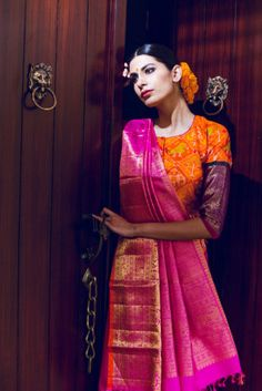 With the revival of Benaras Silk by many popular designers, it has become trendy as bridal wear again! Here are looks perfect for the Indian bride. India Fashion, Ethnic Fashion, Saree Fashion, Indian Attire, Indian Wear, Indian Dresses, Indian Outfits, Ethnic Sarees, Silk Sarees