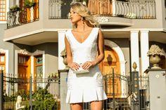 Marina-Casemiro-look-da-noite-vestido-branco-detalhes-bordados-babados-sandália-jeans-clutch-madrepérola-dicaonly-white-festa-ribeirão-preto-full-store-2.jpg (810×540)