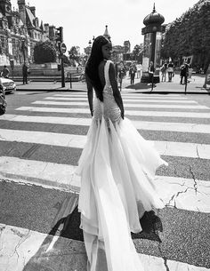 Robe de mariée brodée en perles de Veronika Jeanvie Paris http://veronikajeanvie.com/  #robesdemariée #fluide #créatrice #bohème #dos #dosnue #hoteldeville #parisienne #modenuptiale #tendance #dress #weddingdress #collection  #trend #mariée #mariage #paris #bride #wedding #weddinginspiration #bridal #bridalgown #loveinparis #france #fashion #luxe #glamour #exclusive #dentelle #lace #styliste  #lamariée #style #loveparis