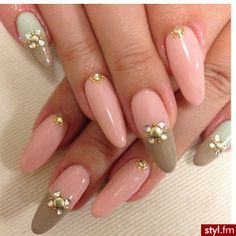 classy fingernails