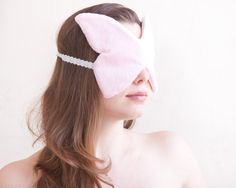 Butterfly Sleep Mask, Pink Eye Mask, Pajama Party Supplies, Pink Bridesmaid Gift, Travel Gifts for Women Diy Mask, Diy Face Mask, Techniques Couture, Pajama Party, Pink Butterfly, Pink Eyes, Travel Gifts, Sleep Mask, Bridesmaid Gifts