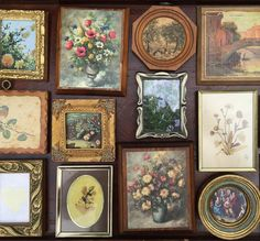 Love these petite frames and artwork! What a cool, unique centerpiece detail your guests will appreciate! - Southern Vintage Table