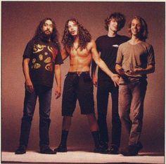 Soundgarden Leia agora os nossos artigos sobre música grunge em http://mundodemusicas.com/category/grunge/