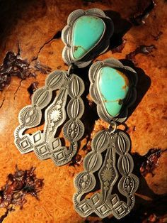 Navajo hand-stamped sterling and turquoise earrings Western Jewelry, Ethnic Jewelry, Boho Jewelry, Jewelery, Silver Jewelry, Vintage Jewelry, Jewelry Design, Jewelry Accessories, Gold Jewellery