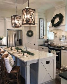 35 Stunning Small Farmhouse Kitchen Decor Ideas Best For Your Farmhouse Design - Home Decor Ideas Small Farmhouse Kitchen, Farmhouse Kitchen Cabinets, Modern Farmhouse Kitchens, Home Kitchens, Farmhouse Ideas, Farmhouse Decor, Farmhouse Kitchen Light Fixtures, Farmhouse Kitchen Lighting, Kitchen Small