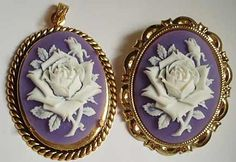 Love the purple & gold with white cameo flowers