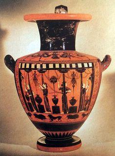 LA CERAMICA GRECA I VASI DIPINTI 4  Idra, o vaso per l'acqua, realizzato ad Atene (ca. 520 a .C., Londra,British Museum).  La decorazione afigure nere rappresenta una scena di vita quotidiana con donne alla fontana. L'acqua esce da mascheroni a forma di teste di leone o di uomini a cavallo. #art #history #vaso #greca #ceramica #grecia #storia