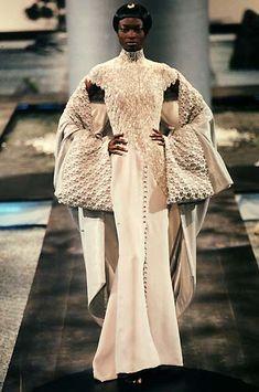 saloandseverine:  Debra Shaw at Givenchy HC by Aleander McQueen Spring 1998