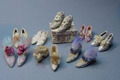EV Miniatures:Look at these delicate Marie Antoinette shoes!!