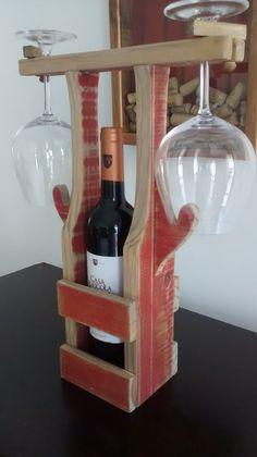 Trans wine rustico vermelho Small Woodworking Projects, Woodworking Bench Plans, Wood Projects, Wine Bottle Display, Wine Glass Holder, Wine Holders, Wood Block Crafts, Wood Crafts, Wood Pencil Holder