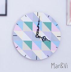 DIY: Reloj pintado con pattern geométrico