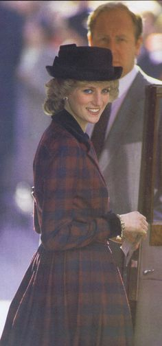 1985-03-06 Diana leaves St Paul's Cathedral after the Service to mark the Golden Jubilee of King George's Jubilee Trust