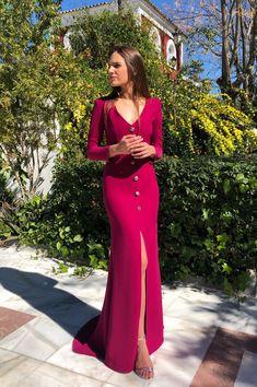 VESTIDO CAMILA - Rocío Osorno - Diseñadora de moda - Sevilla Prom Dresses, Summer Dresses, Formal Dresses, Wedding Dresses, Classy Outfits, Chic Outfits, Long Dress Design, Blazer Outfits, Party Looks