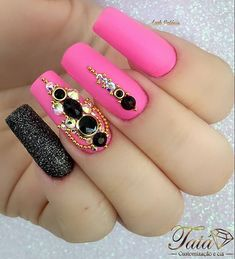 Discover new and inspirational nail art for your short nail designs. Bling Acrylic Nails, Rhinestone Nails, Bling Nails, Gem Nails, Aycrlic Nails, Love Nails, Square Nail Designs, Short Nail Designs, Nail Polish Designs