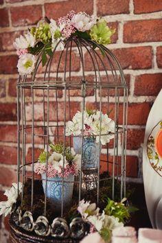 Mas ideas para decorar con jaulas dentro y fuera de vuestra casa | Decorar tu casa es facilisimo.com