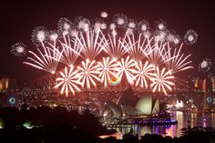 New Year's Fireworks 2017 Sydney Harbour Australia