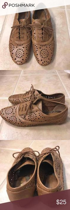 Madden Girl size 8 camel laser cut oxfords Madden Girl size 8 camel laser cut oxfords Madden Girl Shoes Flats & Loafers
