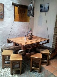 Here we have an exceptional and unique DIY pallet wood idea of suspended corner dining table, perfect for four. Its beautiful and complements a home with more traditional and antique interior decor. The inclination is more towards Turkish culture. Wooden Pallet Furniture, Diy Furniture Projects, Diy Pallet Projects, Wooden Pallets, Wooden Diy, Pallet Wood, Pallet Ideas, Diy Wood, Free Pallets