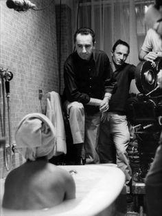 """Michelangelo Antonioni  """"La Notte"""" - film del 1960, settimo lungometraggio diretto da Michelangelo Antonioni, Orso d'oro al Festival di Berlino, Nastro d'Argento e David di Donatello per la regia del miglior film. È il capitolo centrale della cosiddetta """"trilogia esistenziale"""" o """"dell'incomunicabilità"""", segue L'avventura e precede L'eclisse."""