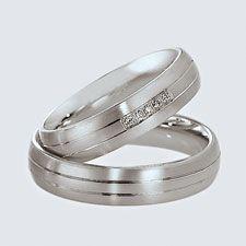 Verighete din aur alb cu briliante. Cu interiorul bombat, pentru un confort maxim la purtare. Aur, Wedding Rings, Engagement Rings, Jewelry, Enagement Rings, Jewlery, Jewerly, Schmuck, Jewels