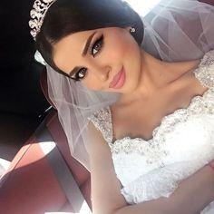 Imagen de wedding, makeup, and beauty Wedding Beauty, Wedding Makeup, Wedding Bride, Wedding Gowns, Dream Wedding, Luxury Wedding, Make Up Inspiration, Wedding Inspiration, Wedding Tumblr
