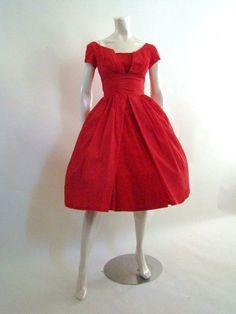I want this dress so hard...