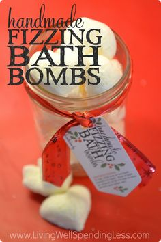 These fun fizzing bath bombs are a breeze to make and make a fantastic handmade gift idea!  Don't miss this detailed tutorial for step-by-step instructions plus free printable gift tags all ready to go!