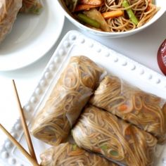 These Teriyaki Soba Noodle Spring Rolls are packed with crunchy veggies and saucy noodles. Plus, they're vegan and gluten free! Asian Recipes, Healthy Recipes, Cuisine Diverse, Asian Cooking, Love Food, Food To Make, Food Porn, Food And Drink, Healthy Eating