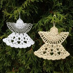 This Christmas Angel Ornaments Free Crochet Pattern is so beautiful. It uses few angel crochet patterns to create crochet ornaments. Crochet Christmas Decorations, Christmas Angel Ornaments, Christmas Crochet Patterns, Crochet Decoration, Crochet Ornaments, Holiday Crochet, Crochet Snowflakes, Crochet Gifts, Diy Crochet