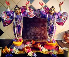 Gaura Nitai deities