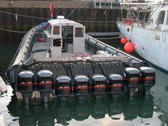 Schlauchboot mit Motor ;-)