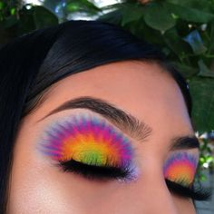 Adopteras-tu la tendance du maquillage tie and dye ? Makeup Eye Looks, Eye Makeup Art, Colorful Eye Makeup, Eyeshadow Looks, Pretty Makeup, Skin Makeup, Eyeshadow Makeup, Clinique Eyeshadow, Eyeshadows