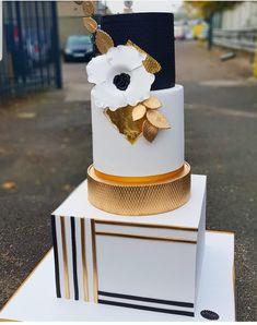 Creative Ideas for Cakes, Weddings & More.: 7 Quick Cake Ideas For Wedding Cakes, Engagement or Birthday Cakes Elegant Wedding Cakes, Beautiful Wedding Cakes, Gorgeous Cakes, Wedding Cake Designs, Pretty Cakes, Amazing Cakes, Wedding Ideas, Fondant Cakes, Cupcake Cakes