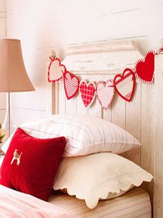 Charming Home Decorating Ideas for Valentines Day, Valentine's Day Garland for 2014, 2014 Lovers Day Decoration