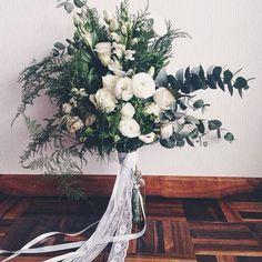 Entrega especial do dia: Bouquet lindo e desestruturado, no melhor estilo matagal!!! 🌿🌿🌿 #bouquetdenoiva #bouquetwedding  #floweroftheday #flowerpower