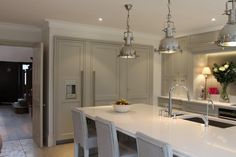 Cheverell Wood Furniture – Painted bespoke fitted kitchens in Devizes, Wiltshire