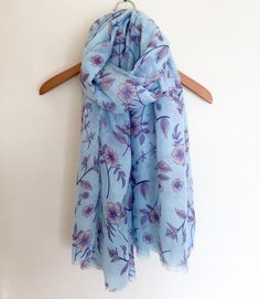 LADIES ELEGANT PALE BLUE PINK FLORAL FLOWER PRINT SOFT SCARF / WRAP   NEW IN