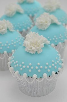 """Marshmallow Pumpkin Treats """"Tiffany Blue Cupcakes - These would be beautiful for bridal shower, baby boy shower""""Tiffany Blue Cupcakes - These would be beautiful for bridal shower, baby boy shower Cupcakes Bonitos, Cupcakes Lindos, Cupcakes Amor, Cupcakes Flores, Pretty Cupcakes, Beautiful Cupcakes, Yummy Cupcakes, Cupcake Cookies, Elegant Cupcakes"""