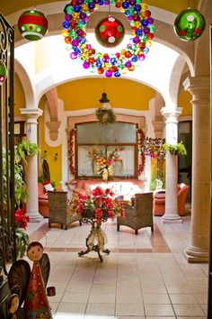 Mexican Xmas...this is nice Mexican Patio, Mexican Home Decor, Hacienda Homes, Hacienda Style, Mexican Christmas Decorations, Christmas Ornaments, Holiday Party Themes, Ornaments Image, Ideas Hogar