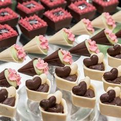Expo Nd oivas Wedding Desserts, Mini Desserts, Delicious Desserts, Yummy Food, Cake Wedding, Mini Cakes, Cupcake Cakes, Cupcake Recipes, Dessert Recipes