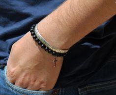 Bracelet perles en bois et croix par madewithloveinaiaciu sur Etsy