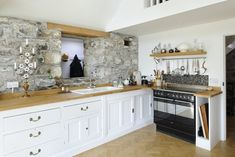 A transformed nineteenth century stone barn conversion for a dream home. Barn House Conversion, Barn Conversion Interiors, Barn Conversions, Grand Designs Magazine, Scottish Cottages, Small Barns, Barn Renovation, Stone Barns, Architect Design