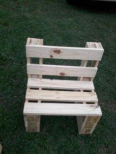Pallet Furniture Bench, Palette Furniture, Pallet Chair, Diy Garden Furniture, Diy Outdoor Furniture, Pallet Porch, Pallet Home Decor, Pallet Crafts, Diy Pallet Projects