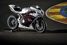 MV Agusta F4R i F4RR 2013. | Flickr - Photo Sharing!
