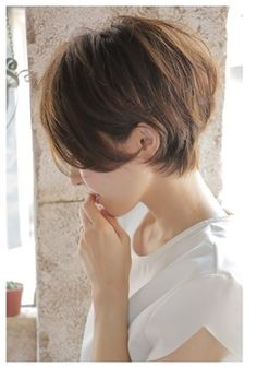 白髪が目立たない髪型ショート③