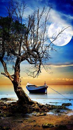 Clair de lune photos - Journey Tutorial and Ideas Beautiful Moon, Beautiful Places, Beautiful Pictures, Nature Pictures, Art Pictures, Landscape Photography, Nature Photography, Travel Photography, Boat Art