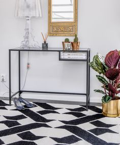 sash beautiful black and white flatweave wool rug paired with a bourgie kartell lamp interior rugslaptop